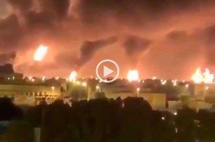 Atacan con drones dos refinarias de petróleo en Arabia Saudita