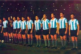 Hace 55 años, Colón le ganaba a la Selección Argentina - La formación de la Selección argentina que sucumbió en el Cementerio de los Elefantes. En 1964, Colón consiguió dos triunfos consagratorios: venció al Santos de Pelé y a la Selección que venía de ganar la Copa de las Naciones.