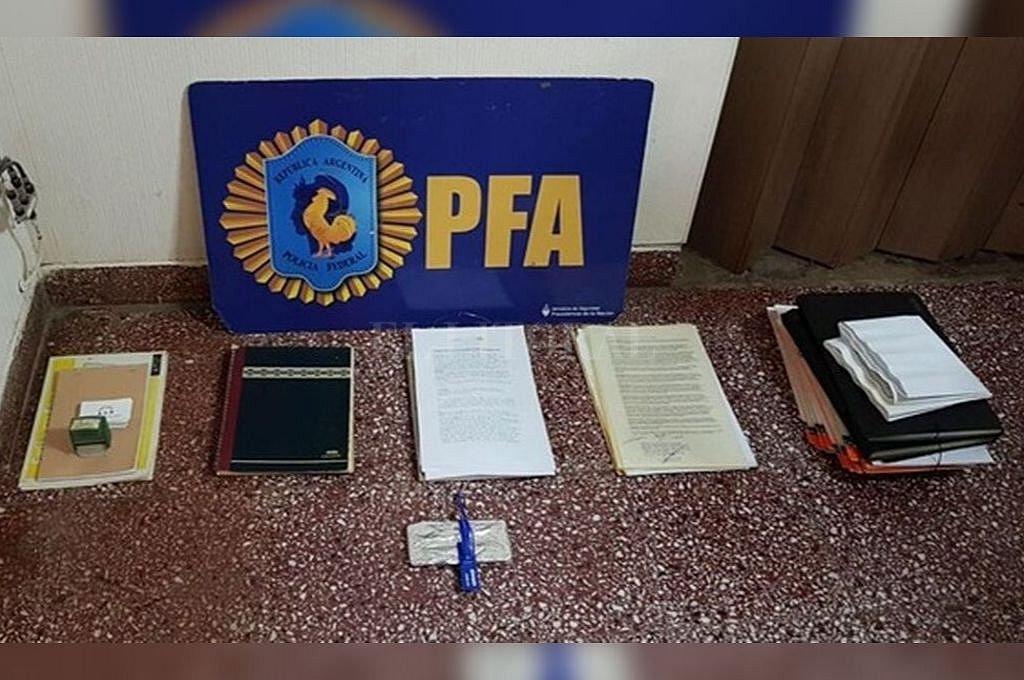 La Policía Federal secuestró el miércoles numerosa documentación, que está siendo evaluada por el fiscal del MPA, Martín Castellano. Crédito: Prensa PFA