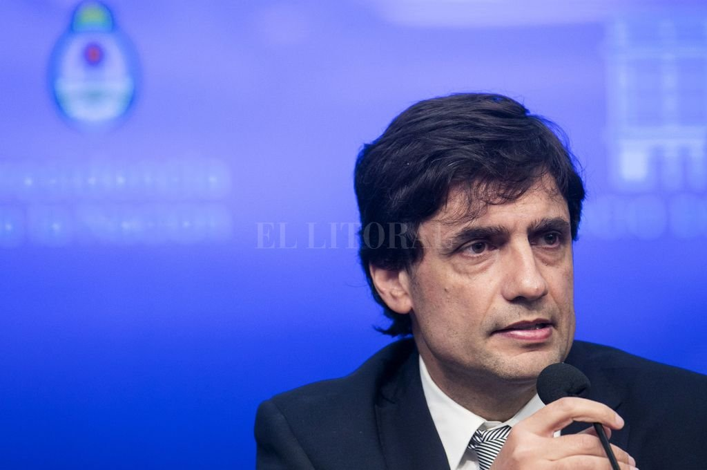 Lacunza defiende el Presupuesto: 34% de inflación y dólar hasta $75