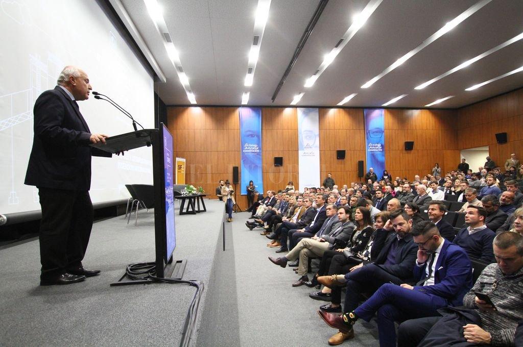 El gobernador, Miguel Lifschitz, durante el acto de apertura de la Semana Comex.  Crédito: Pablo Aguirre