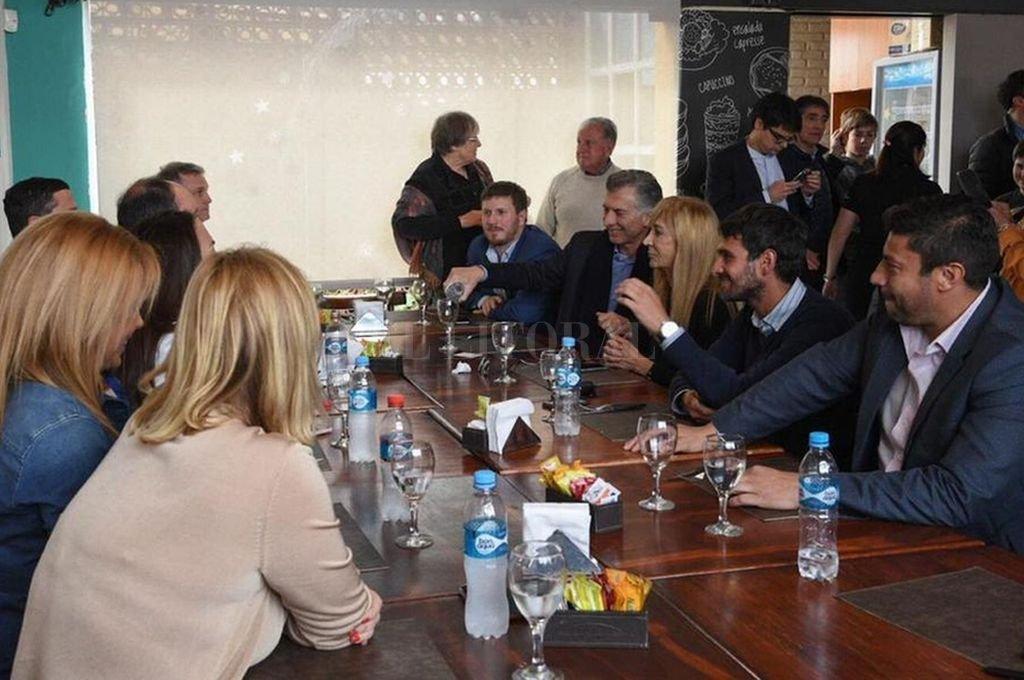 Mauricio Macri almorzó con dirigentes santafesinos. Crédito: Twitter