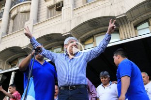 Tras el paro de Cliba, Moyano se metió en la interna de los trabajadores de Santa Fe