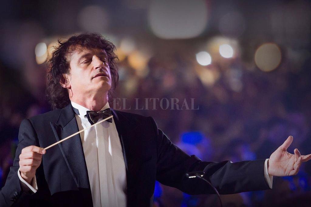 El concierto contará con la dirección del propio compositor, acompañado por 47 músicos de la Orquesta Sinfónica y 40 integrantes del Coro Polifónico de la Provincia de Santa Fe. <strong>Foto:</strong> Gentileza producción