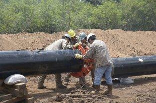 Acuerdo para conectar 9 localidades al GNEA  - U$S 1800 millones invertidos y un año de demoras en su operación; finalmente se dan los pasos para que el gas llegue a la gente. -