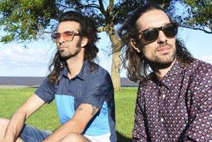 Nueva fecha de Santa Fe Suena - Toponauta es el proyecto musical de los hermanos César y Francisco Cantero, nacido en la ciudad de Santa Fe a fines de 2001; actualmente en el formato Dúo Set, con pistas e invitados ocasionales. -
