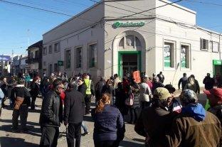 Empleados municipales de Coronda se movilizaron por falta de pago