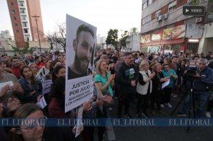Multitudinaria marcha frente al comercio de Julio Cabal para pedir justicia -  -