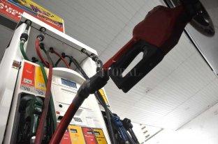 Fin del congelamiento: los combustibles aumentaron un 4 % -  -
