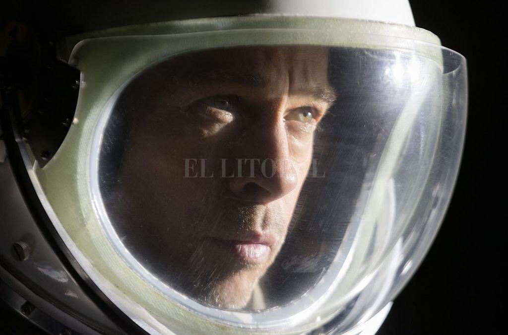 Roy McBride (Pitt) es un astronauta que tratará de descubrir el misterio detrás de la expedición de su padre, desaparecida 30 años antes. Crédito: Gentileza 20th Century Fox