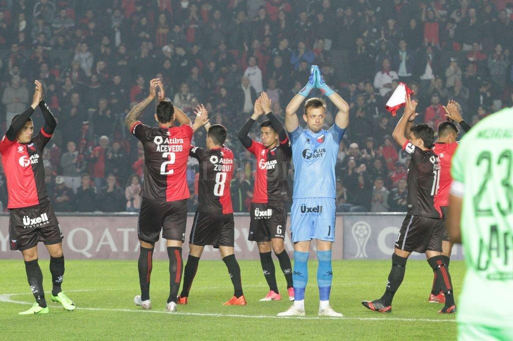 Colón - Atlético Minero: comienza la disputa por un lugar en la final -  -