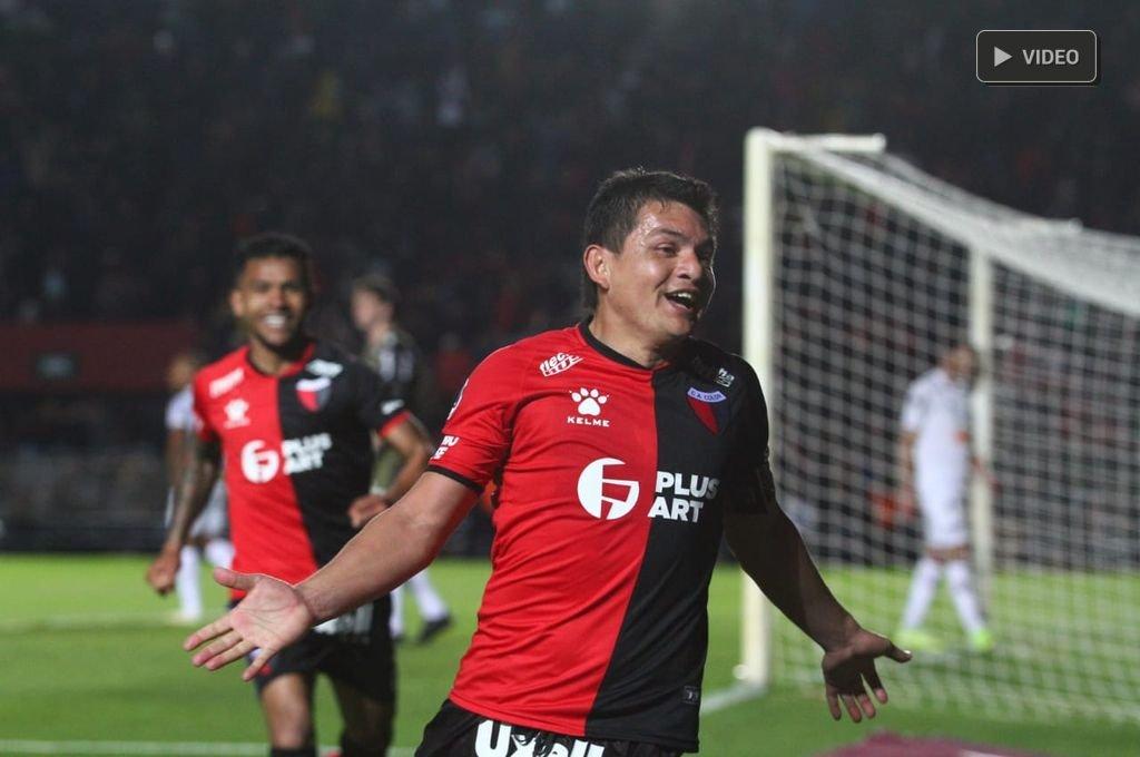 Colón se lo dio vuelta a Atlético Mineiro y va con ventaja a Brasil -  -