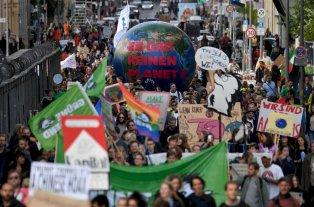 Millones de personas en 156 países participan de marchas contra el cambio climático