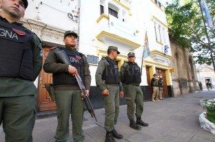 Allanaron la delegación Santa Fe de la Policía Federal -  -