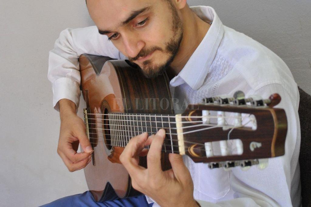 Peralta es licenciado en Música, especialidad Composición, del Instituto Superior de Música de la Universidad Nacional del Litoral. <strong>Foto:</strong> Gentileza producción