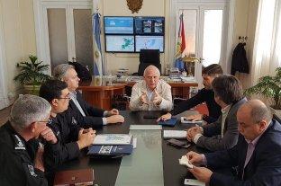 El gobernador encabezó reuniones en el Ministerio de Seguridad -  -