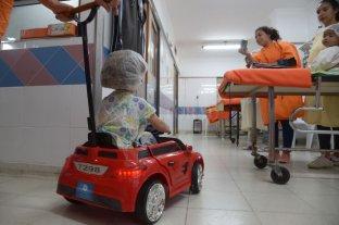 En el Hospital de Niños de Paraná buscan reducir el estrés pre-operatorio con autitos eléctricos - Los autitos eléctricos se pusieron en funcionamiento en la última semana y ya generan una gran aceptación en los chicos. -