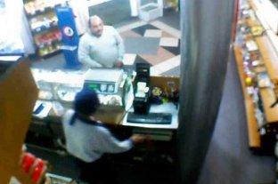 Video: así asaltaron una panadería de calle Urquiza -