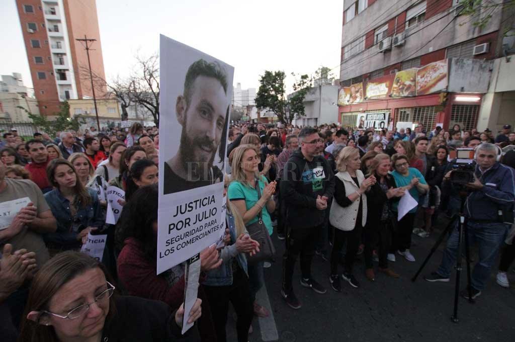 Sospechoso de matar a Julio Cabal y de otros delitos - El homicidio del joven comerciante disparó una protesta de comerciantes de toda la ciudad. -
