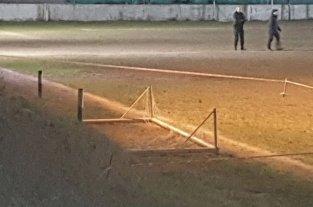 Un nene de 12 años murió tras caerle un arco de fútbol encima