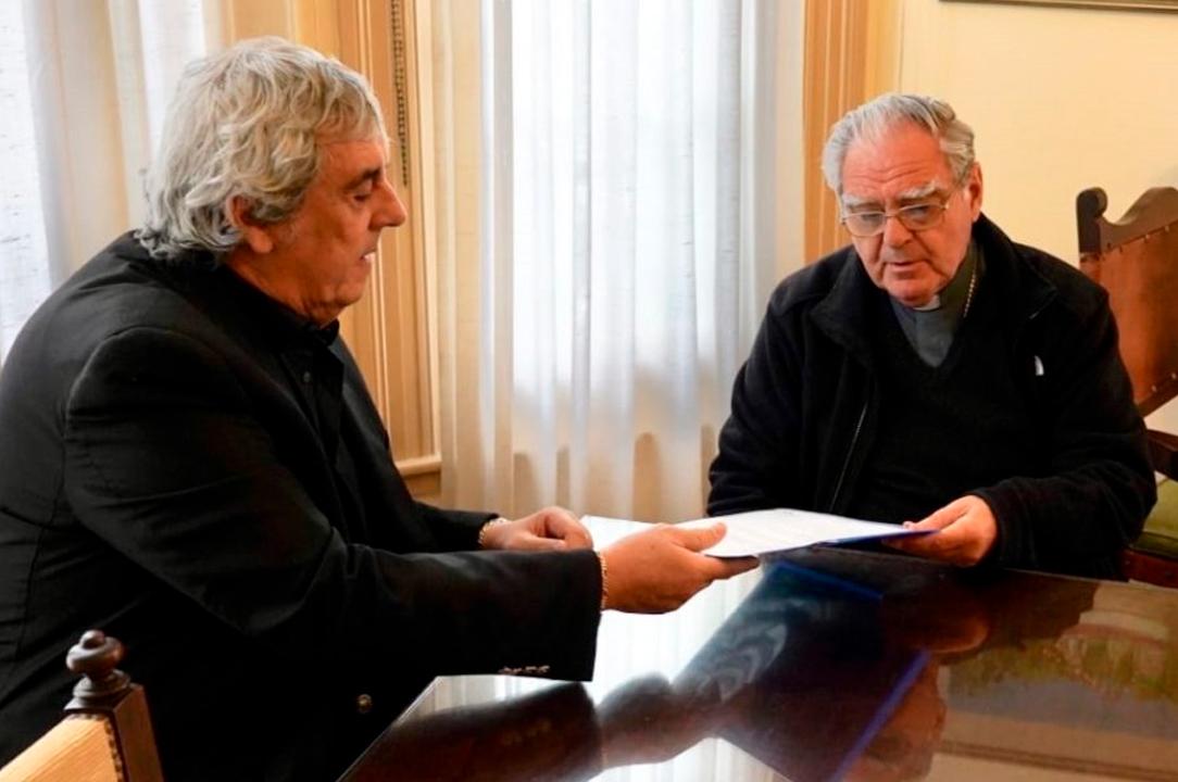 Romero y Ojea dialogaron sobre la realidad social del país y consensuaron un documento para que la educación sea prioridad nacional. <strong>Foto:</strong> Gentileza.