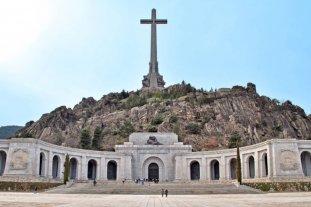 Permiten exhumar los restos del dictador Francisco Franco