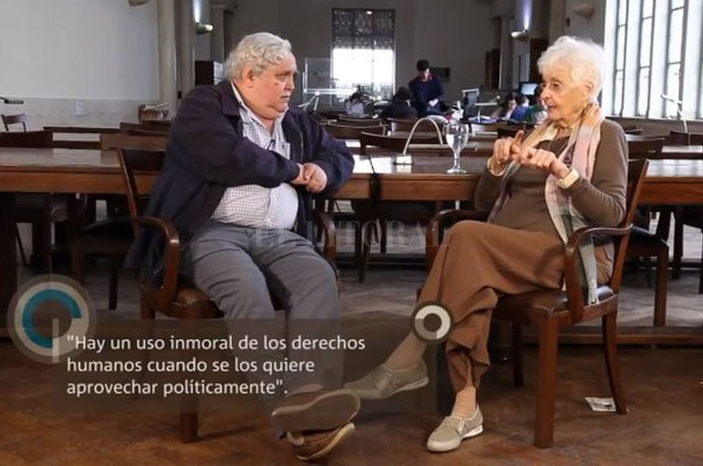 Cambio de roles. Esta semana fue Graciela Fernández Meijide quien entrevistó a Rogelio Alaniz.  Crédito: Captura de internet (octubre de2017)