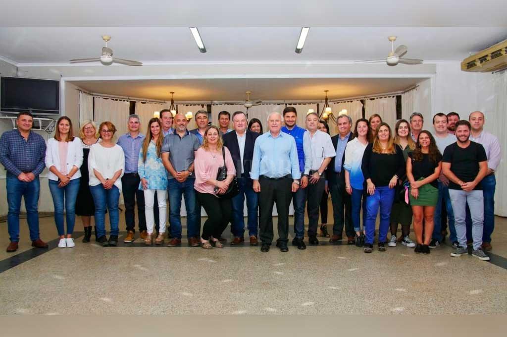 Diputados y senadores electos del Frente Progresista respondieron a la convocatoria de Miguel Lifschitz.  <strong>Foto:</strong> Gentileza