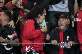 Viral: Cumplió 78 años, fue a ver a Colón en colectivo y así festejó