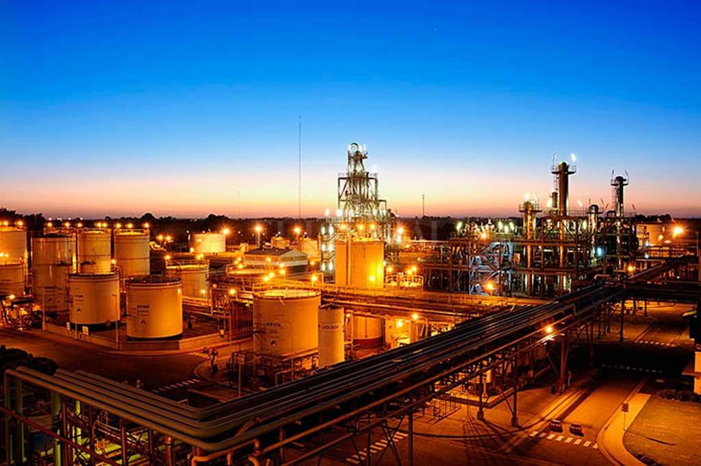 """Las productoras de biocombustibles ya padecen la desactualización de lo que el gobierno les paga por los """"cortes"""" obligatorios en naftas y gasoil. Ahora suman el problema de que la ley no siempre se cumple.  <strong>Foto:</strong> Gentileza Carbio"""