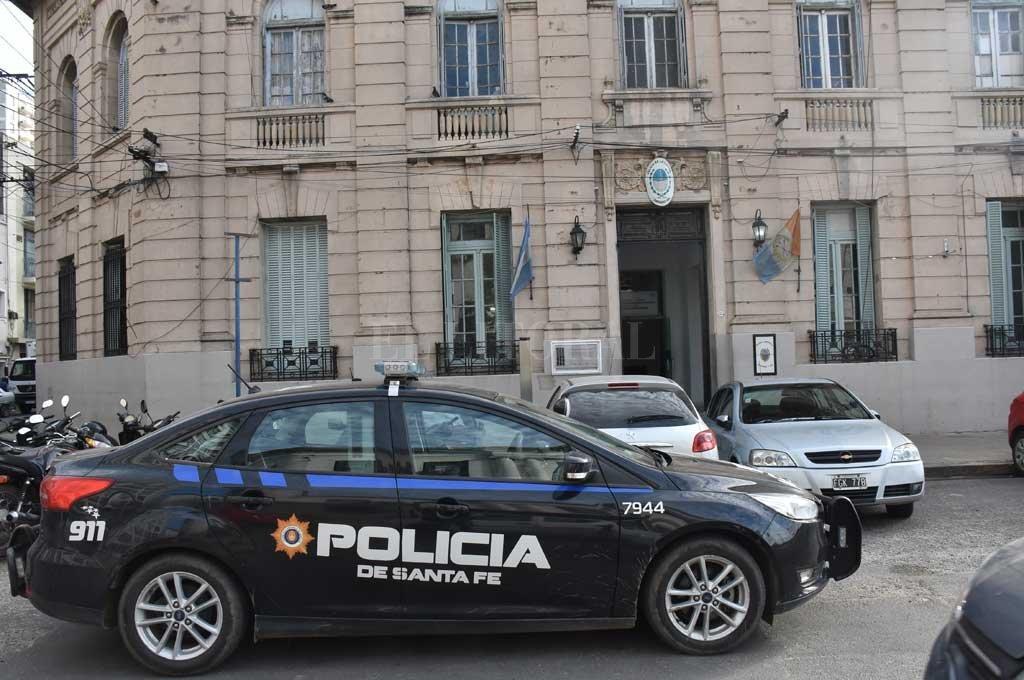 El poliladron fue trasladado a la Seccional 1era, donde quedó detenido. <strong>Foto:</strong> Flavio Raina
