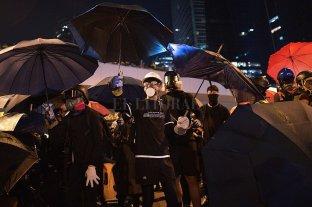 """Decenas de miles marcharon en Hong Kong y recuerdan la """"Revolución de los Paraguas"""""""