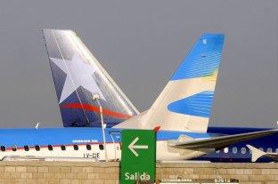 Cancelaron 45 vuelos de Aeroparque y Ezeiza por tormentas y asambleas
