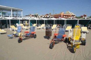 Villa Gesell promociona su playa adaptada para personas con discapacidad