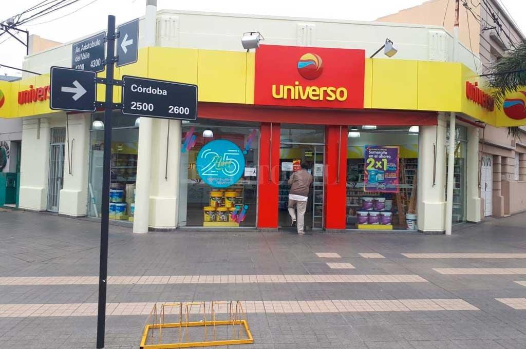 La pinturería asaltada, ubicada en Aristóbulo del Valle y Córdoba. <strong>Foto:</strong> Danilo Chiapello