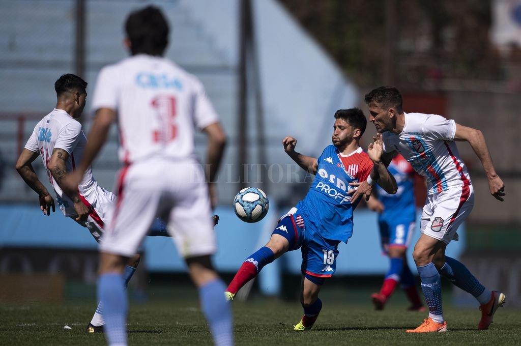 Ezequiel Bonifacio es uno de los jugadores del mediocampo que tiene su lugar seguro para jugar el domingo. <strong>Foto:</strong> Matías Nápoli