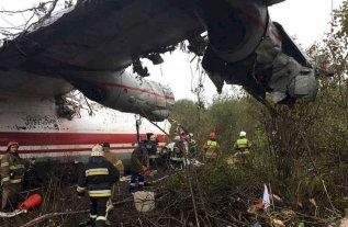 Cinco muertos en un aterrizaje de emergencia en Ucrania