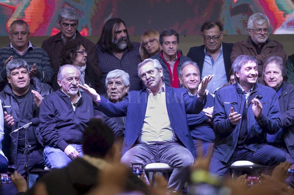 """Fernández en el acto de la CTA. El armado """"puertas adentro"""" suma voluntades y promete tensiones. <strong>Foto:</strong> NA"""