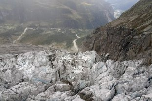 Crece la preocupación en Italia por fisuras glaciares en el Mont Blanc