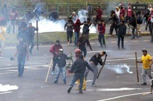 Disturbios en Ecuador: manifestantes irrumpieron en el Parlamento
