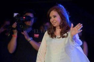Cristina Kirchner regresó al país y se suma a la campaña