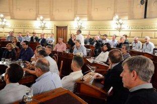 Municipios y comunas reclaman consenso para destrabar fondos