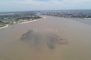 """Advierten a navegantes por """"muertos""""  de hormigón fondeados en la Setúbal"""