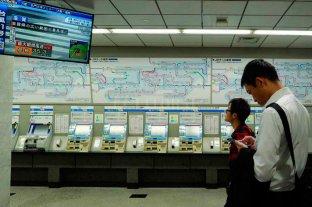 Japón: Cancelan vuelos y trenes por el paso del tifón