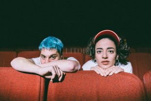 Salvapantallas: cerrando puertas - Santi y Zoe, en su última aventura juntos: cada unos está trabajando en canciones nuevas en solitario. -