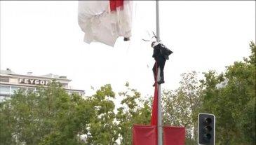 Se estrelló un paracaidista en Madrid durante el desfile por el 12 de Octubre