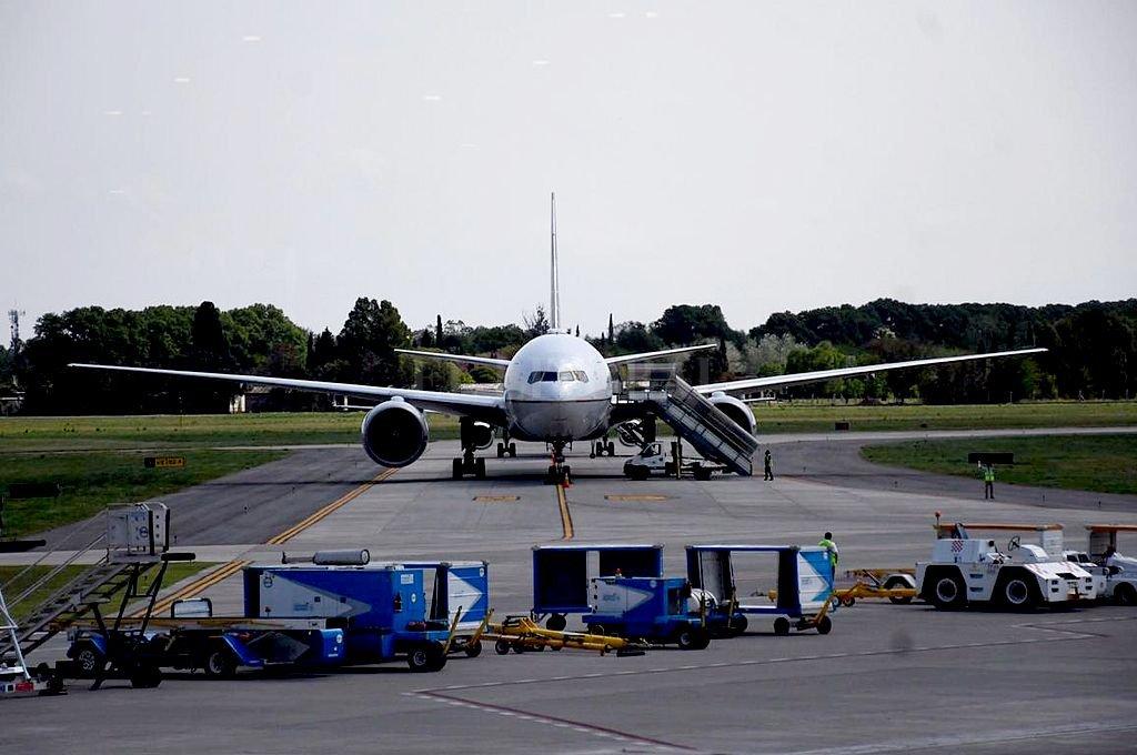 Los vuelos fueron derivados a otros aeropuertos, como el de Rosario (foto), que se vio colapsado. Crédito: Marcelo Manera