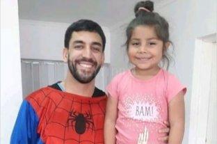 Spiderman atendió a una nena en el Samco de San Genaro