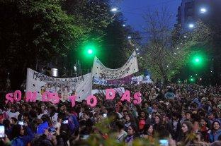Más de 200 mil mujeres marcharon en La Plata en el Encuentro Nacional -  -