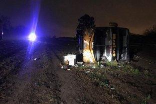 3 muertos y 27 heridos tras volcar un colectivo en Tucumán -